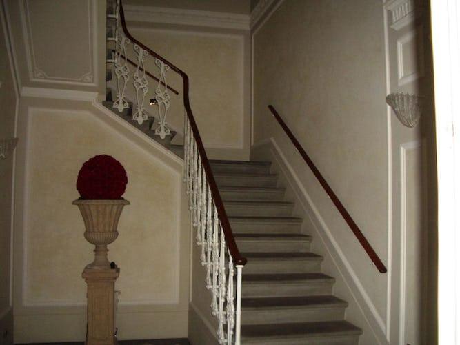La scalinata d'accesso all'appartamento