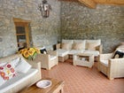 A covered terrace for staying together at Montecastello