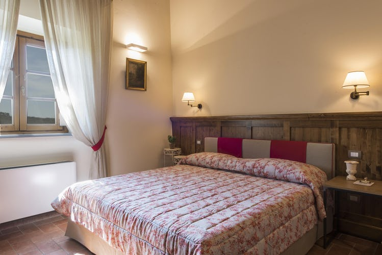 Olmofiorito Agriturismo: bedrooms with lovely views of the valley