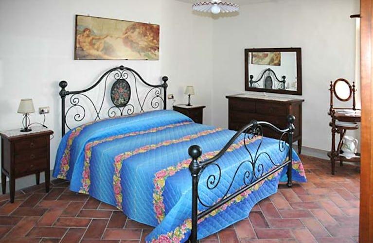 Camera matrimoniale in agriturismo Orticaia Mugell
