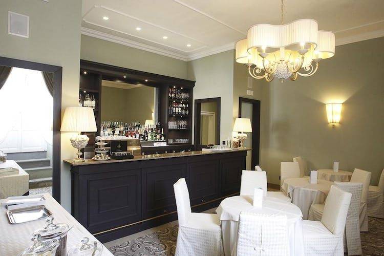 Palazzo Roselli Cecconi Hotel: On-site bar for light meals & breakfast