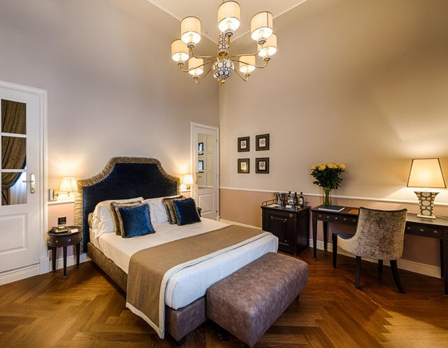 Palazzo Roselli Cecconi Hotel: Double & Triple Bedrooms