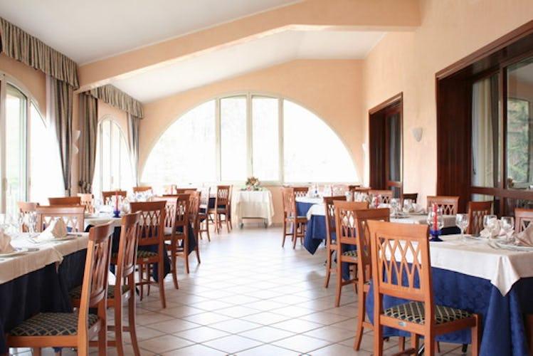La sala dove viene servita la colazione a buffet