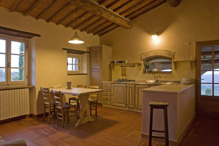 Agriturismo Podere Argena: Terracotta floors & Wood Beam Ceilings
