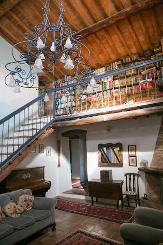 Podere Patrignone has a well equipped library and WiFi service