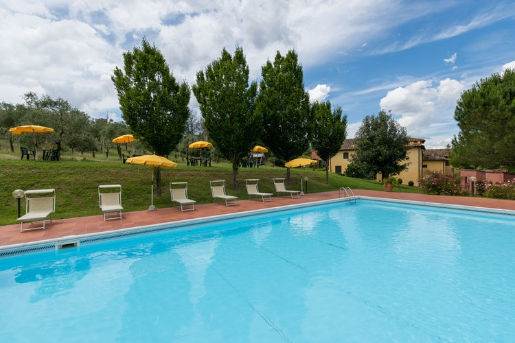 Podere Torricella - Poolside relax