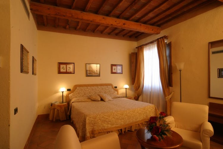 Deluxe bedroom suite at il Chiostro di Pienza