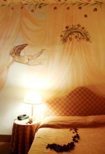 Beautifully decorated bedrooms with free wi fi at il Chiostro di Pienz