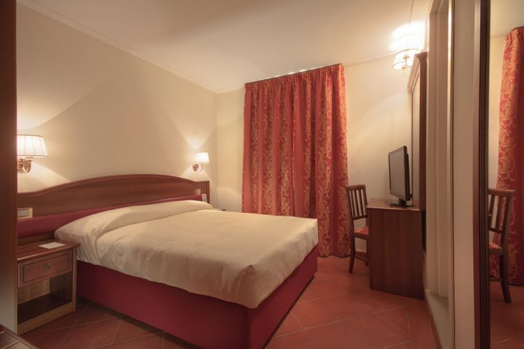Bedroom  La Corte di Cloris Florence