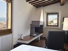 Simple and refreshing rooms with a view in the city center of Florence