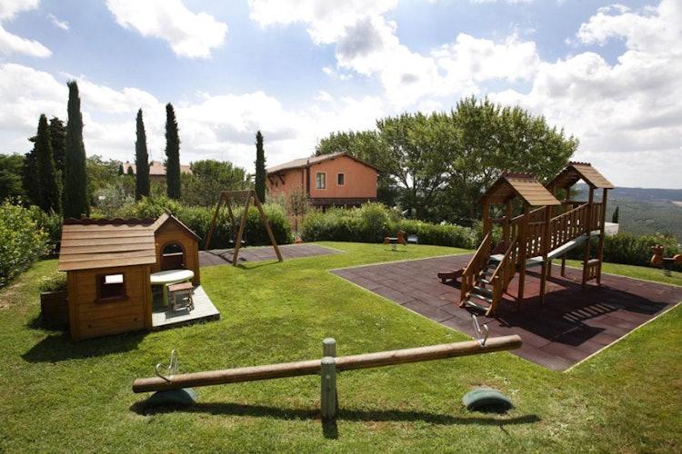 Tuscan style apartment at Farmhouse Quadrifoglio n