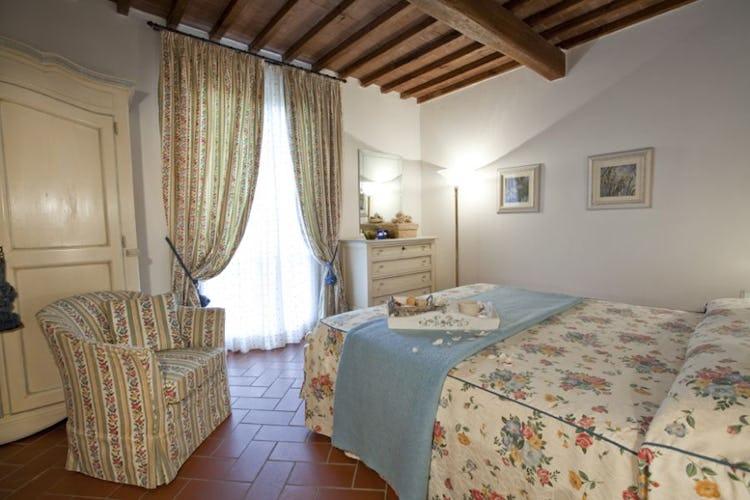 Tenuta Quadrifoglio: Tuscan decorative accents