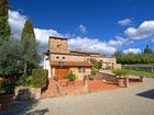 Close to San Gimignano, you can walk to explore the little town