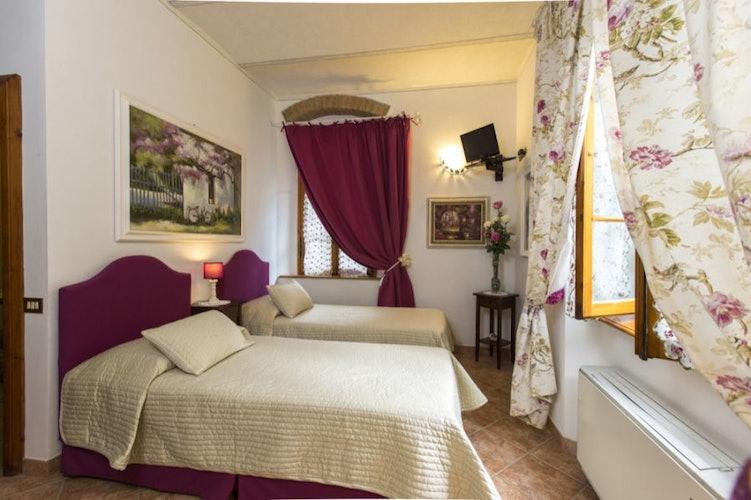 Le camere possono avere anche 2 lettini singoli o diventare triple