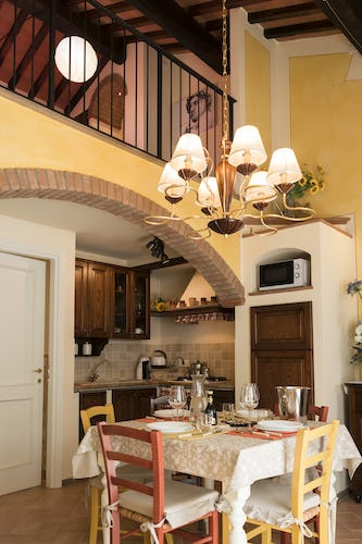 Villa Borgo la Fungaia: Eat in Kitchen