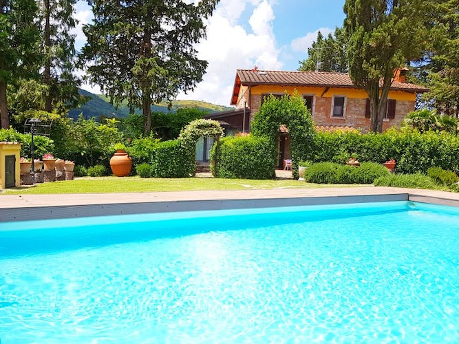 Villa Cafaggiolo features a private pool in the Florence countryside