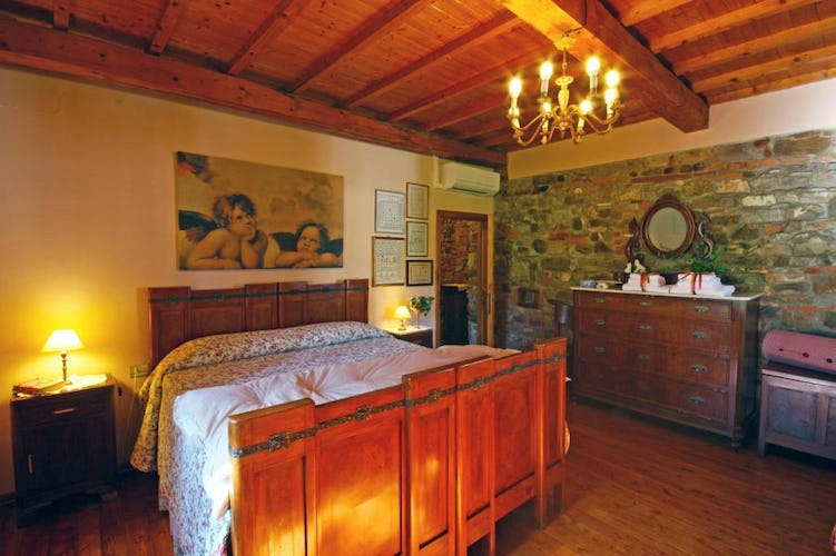 Villa Cafaggiolo holiday apartments furnished with antiques