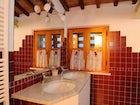 Corsanello, villa vicino a Siena, particolare del bagno