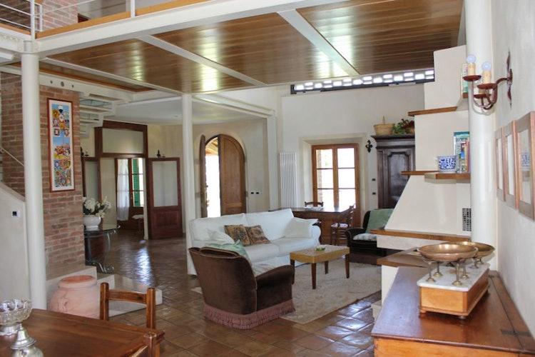 Lodging in Siena villa, living room
