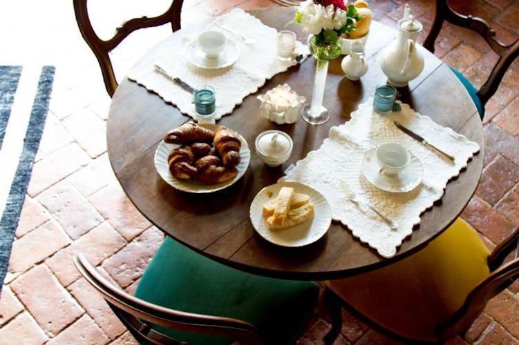 Colazione fatta in casa con prodotti genuini e deliziosi