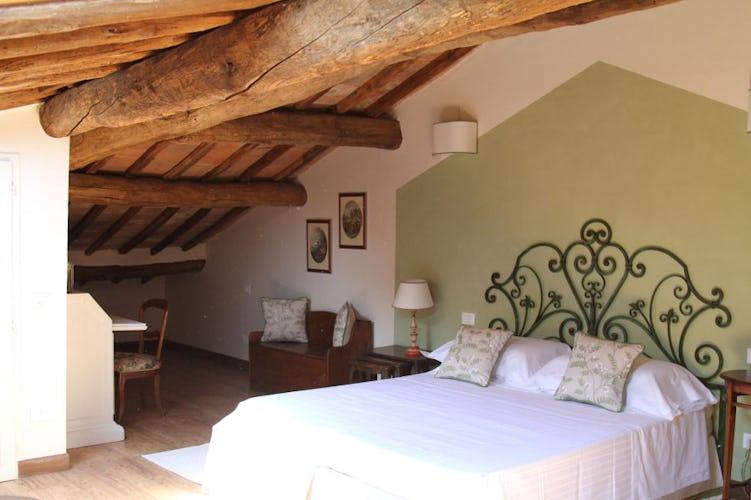 4 camere da 2 a 5 persone sono disponibili presso la villa