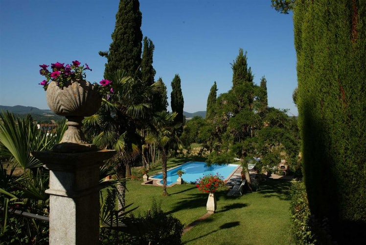 Picturesque garden views at Villa il Poggio