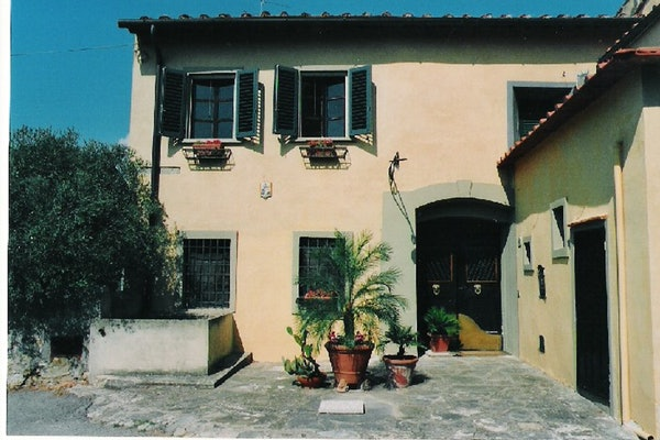 Villa Lysis - Front Entrance