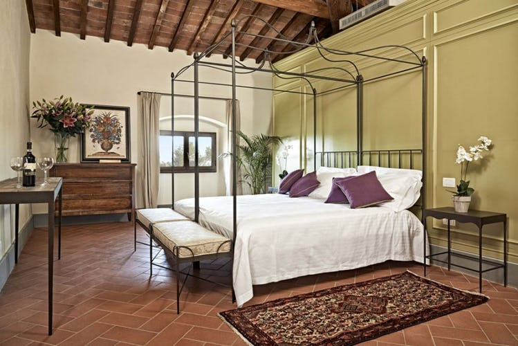 An elegant mix of classic & contemporary interiors at Villa Lilliano