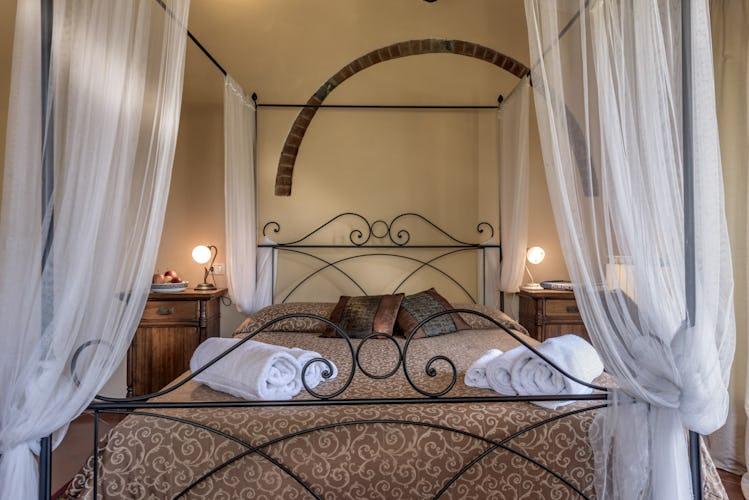 Romantic Bedroom in Villa Poggio di Gaville