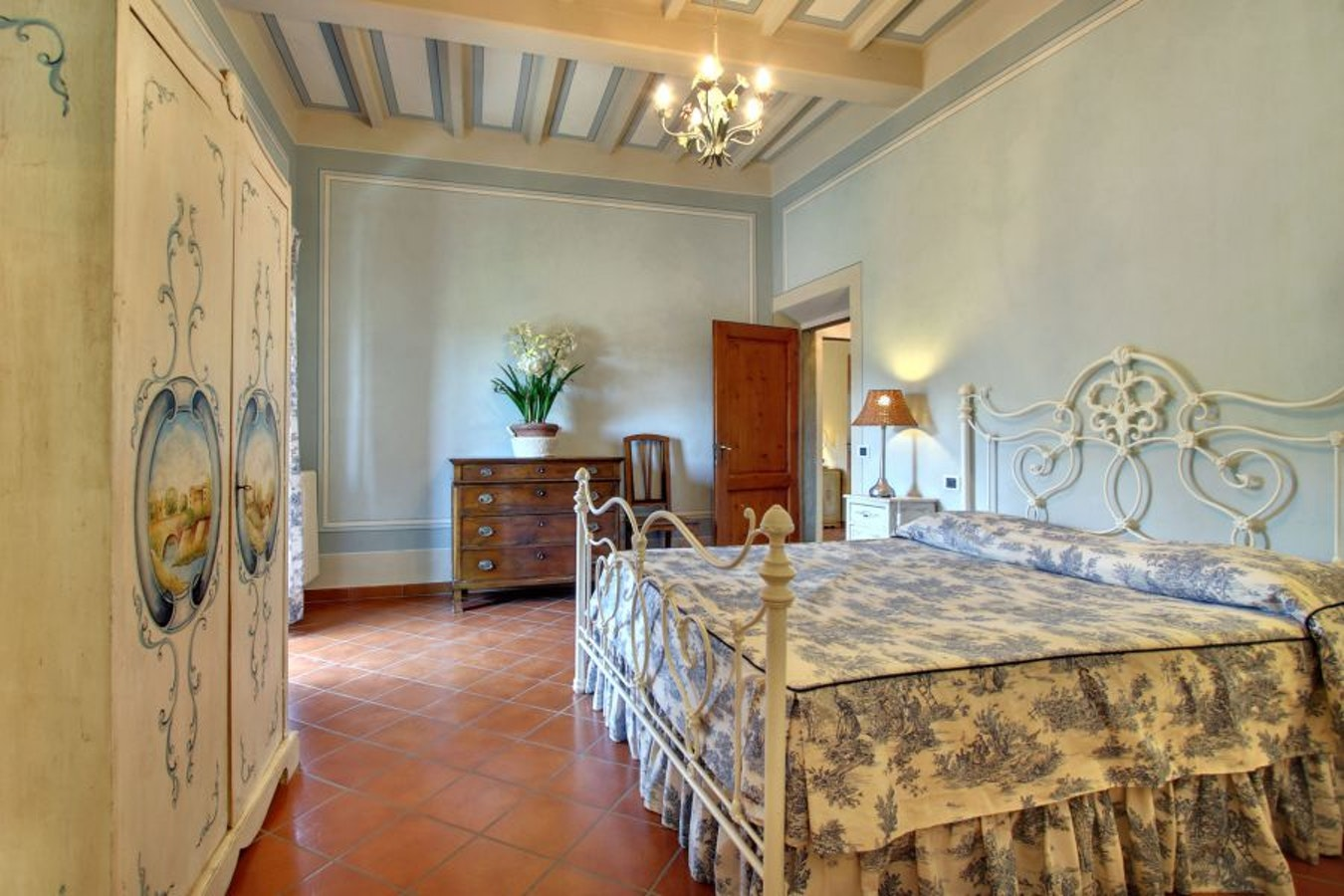 Villa stolli figline valdarno per una vacanza di lusso - Magico tocco divano ...